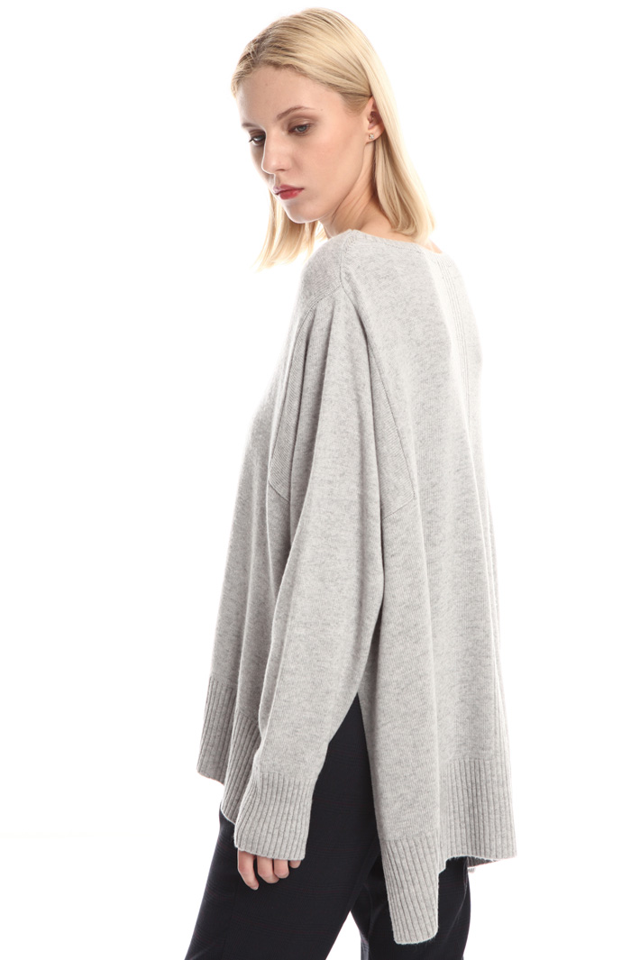 Oversized asymmetrical sweater Intrend