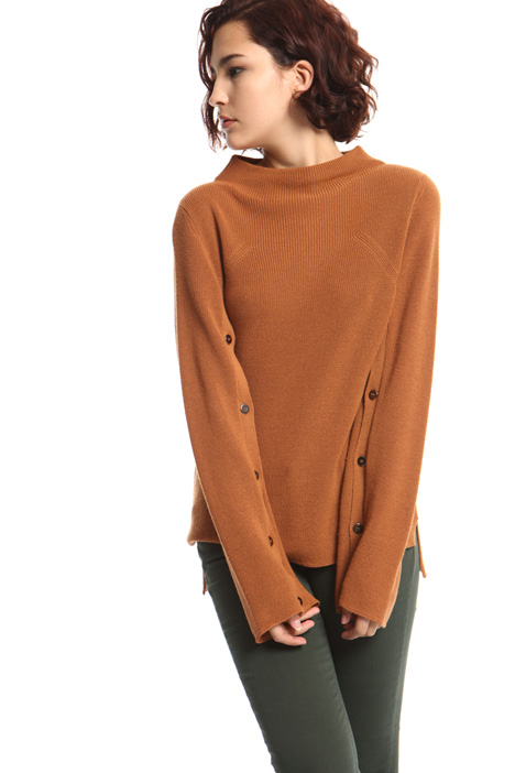 Buttoned sweater Intrend