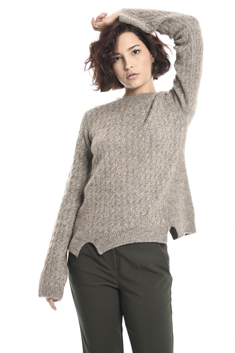 Sweater with side slits Intrend