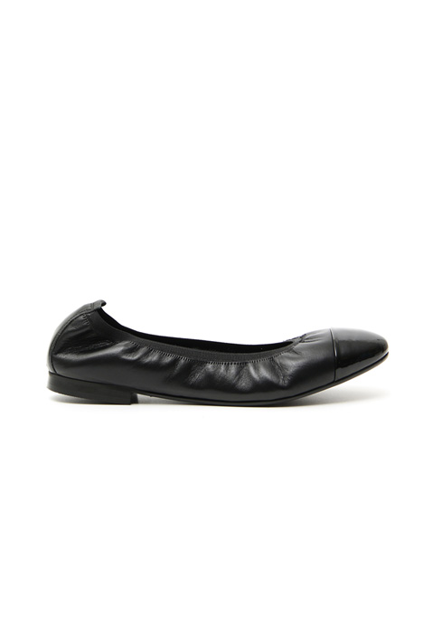 Varnished toe ballerinas Intrend
