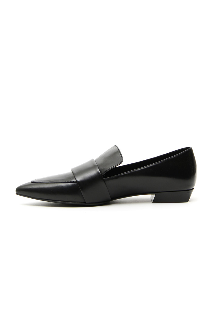 Pointed toe leather moccasin Intrend