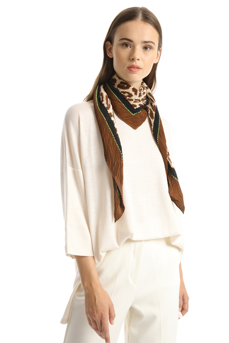 Pleated fluid foulard Intrend