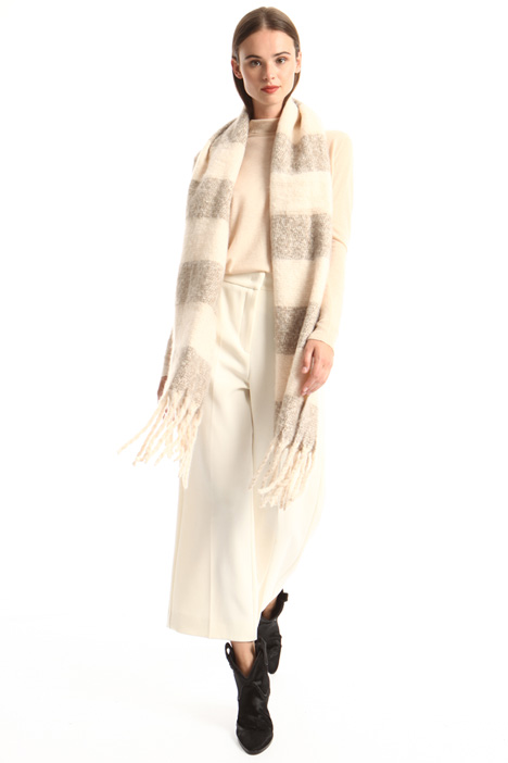 Soft fringed hem Intrend