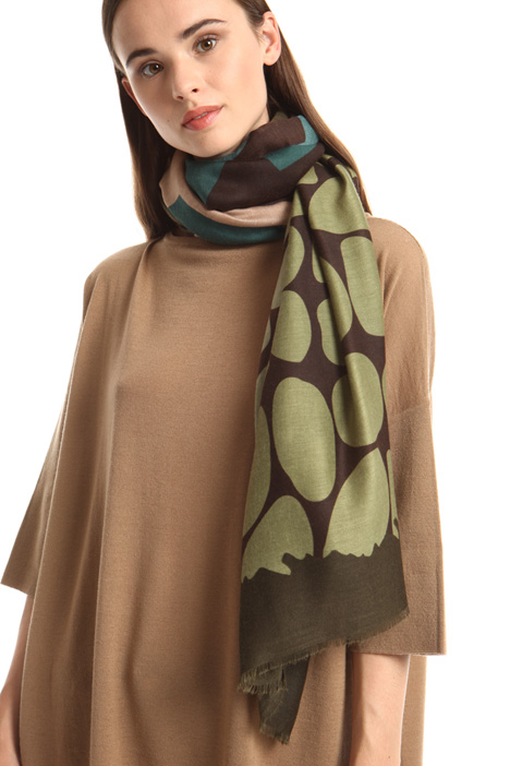 Multi-patterned scarf Intrend