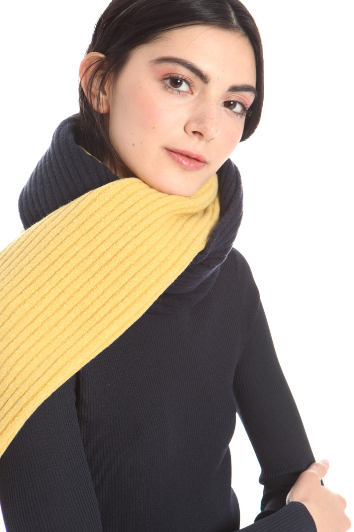 Knitted scarf Intrend