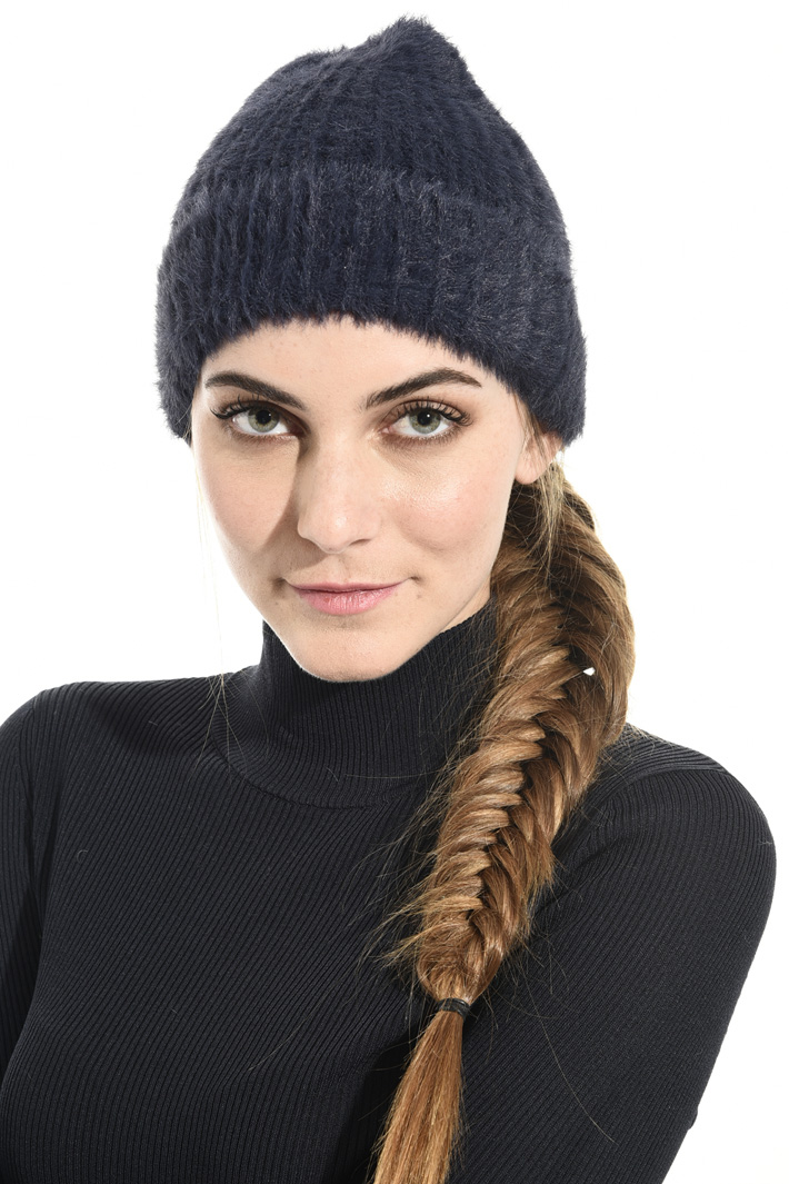 Knitted beanie hat Intrend