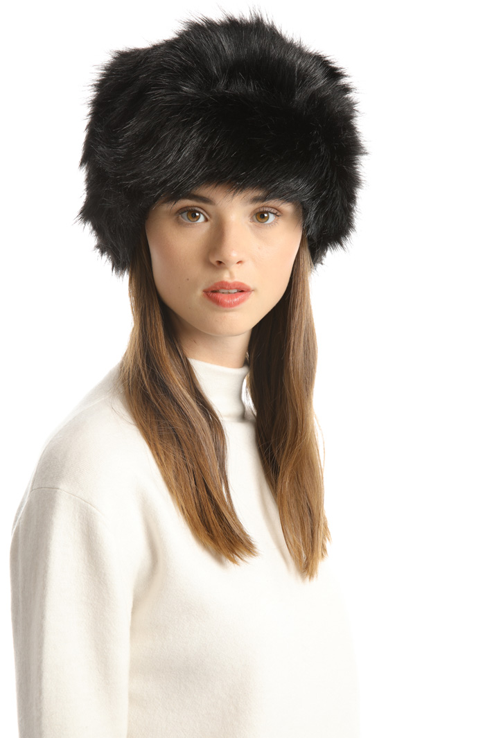 Fur effect hat Intrend