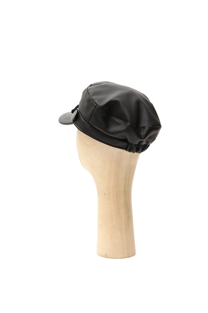 Faux-leather hat Intrend