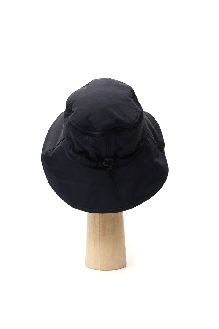 Technical fabric hat Intrend