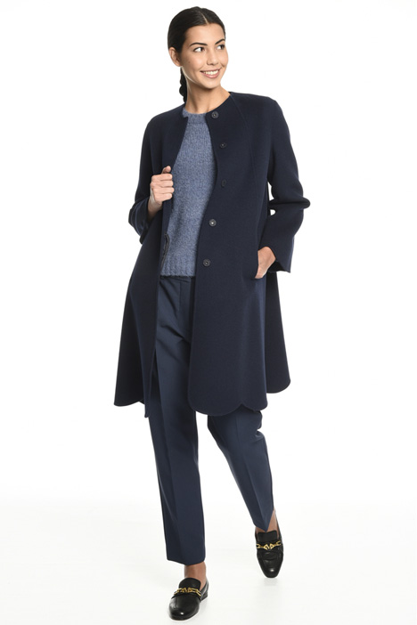 Coat with scalloped bottom  Intrend