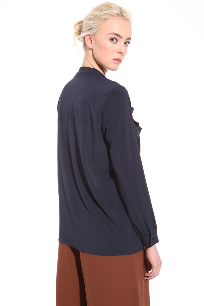 Frilled crepe shirt Intrend