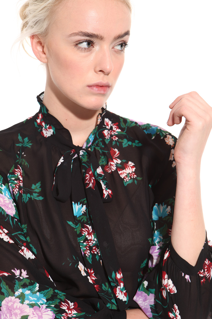 Blusa floreale in georgette Intrend