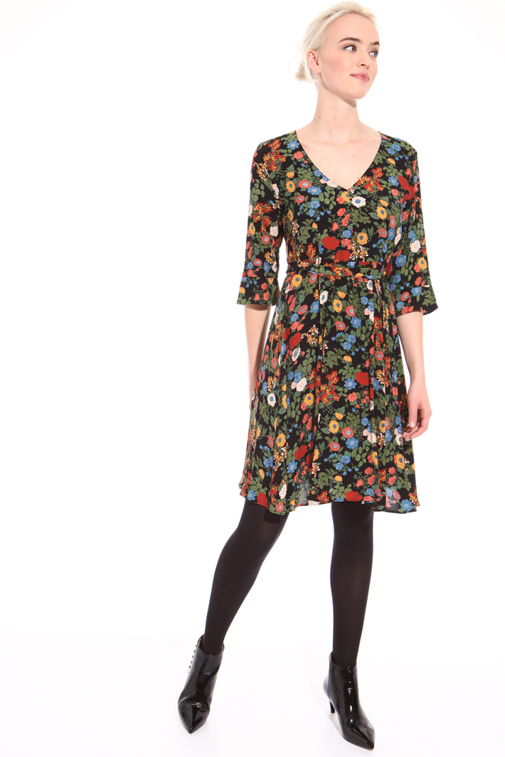 V-neck floral dress Intrend
