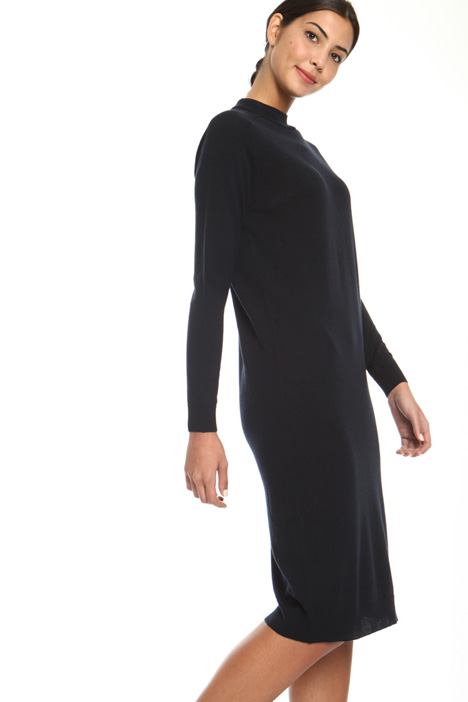 Knee-length knit dress Intrend
