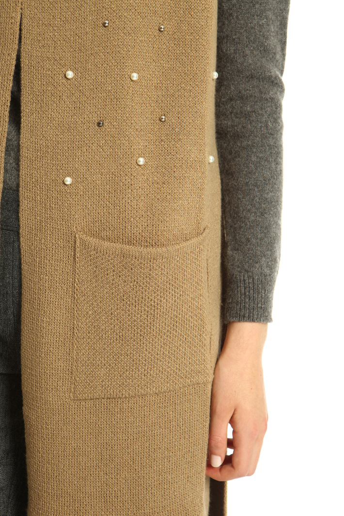 Knitted vest with beads Intrend
