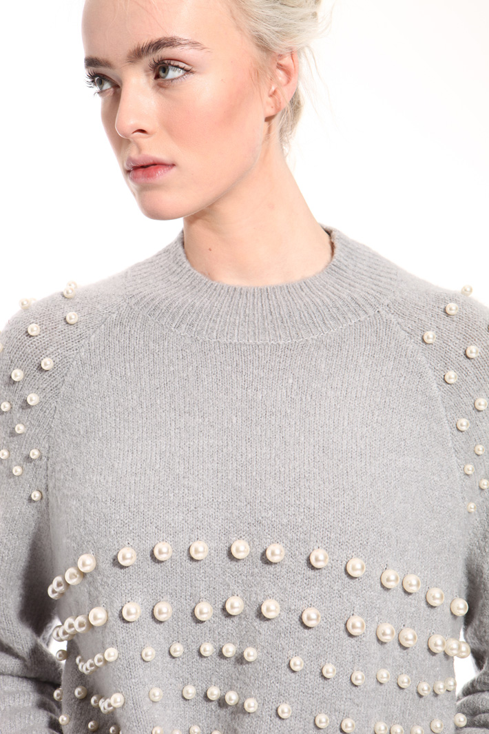 Sweater with Embroidered pearls  Intrend
