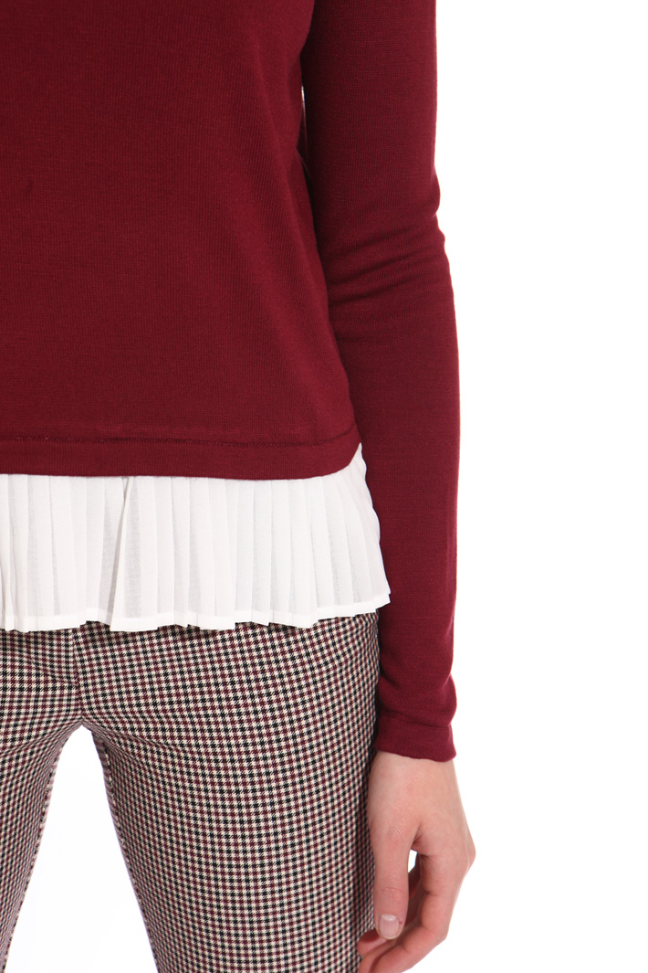 Sweater with pleated insert Intrend