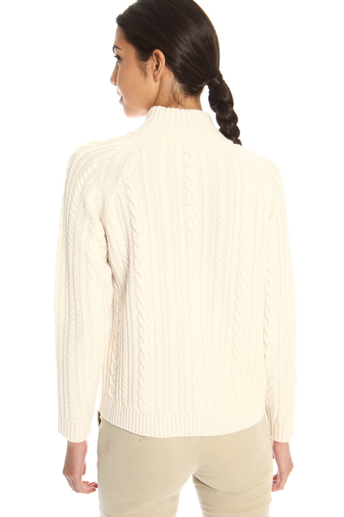 Knitted plait sweater  Intrend