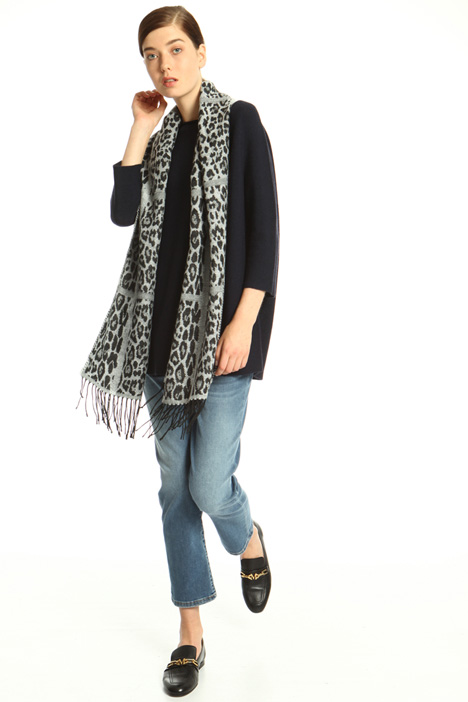 Soft scarf with animal print Intrend