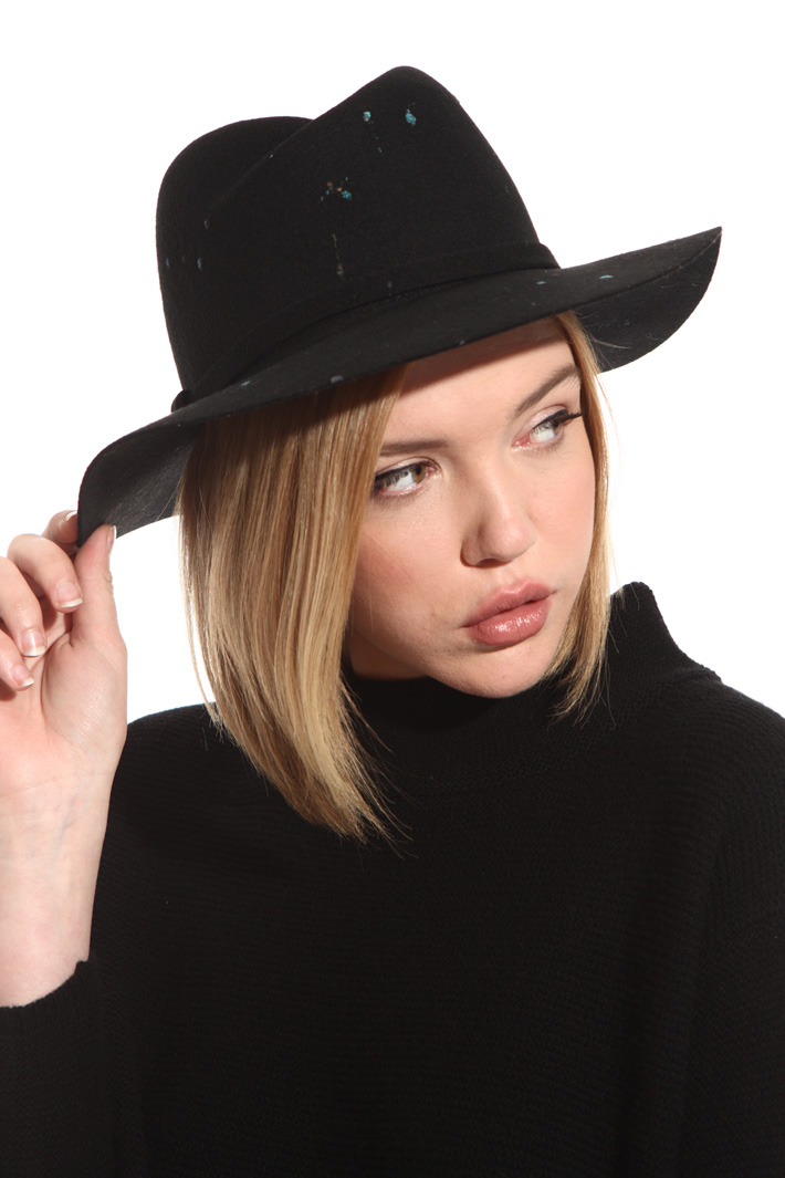 Embroidered fedora hat Intrend