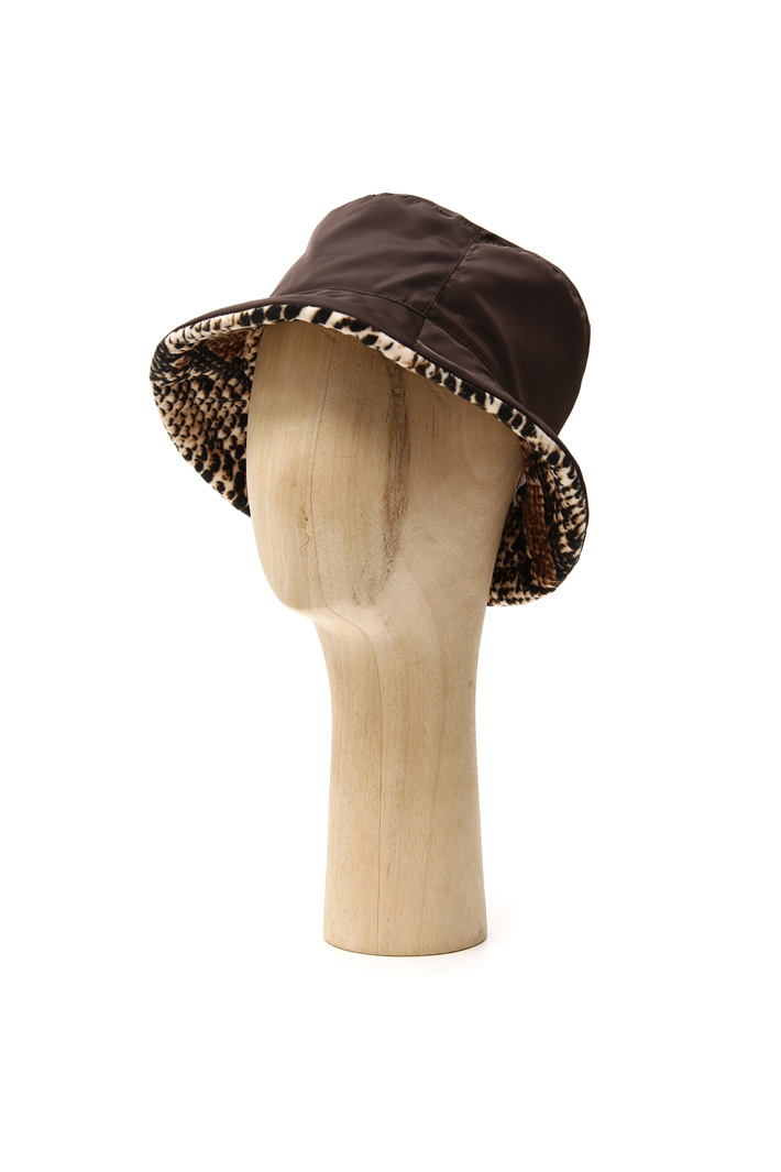 Reversible hat Intrend