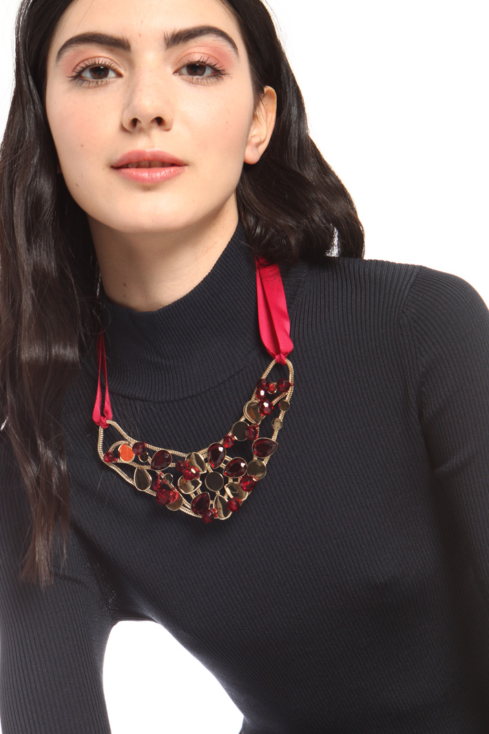Resin and metal necklace Intrend