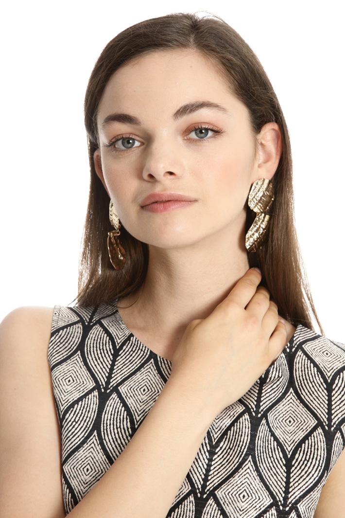 Hammered metal earrings Intrend