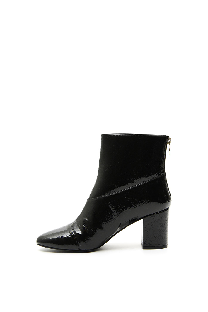 Crinkle effect ankle-boots Intrend