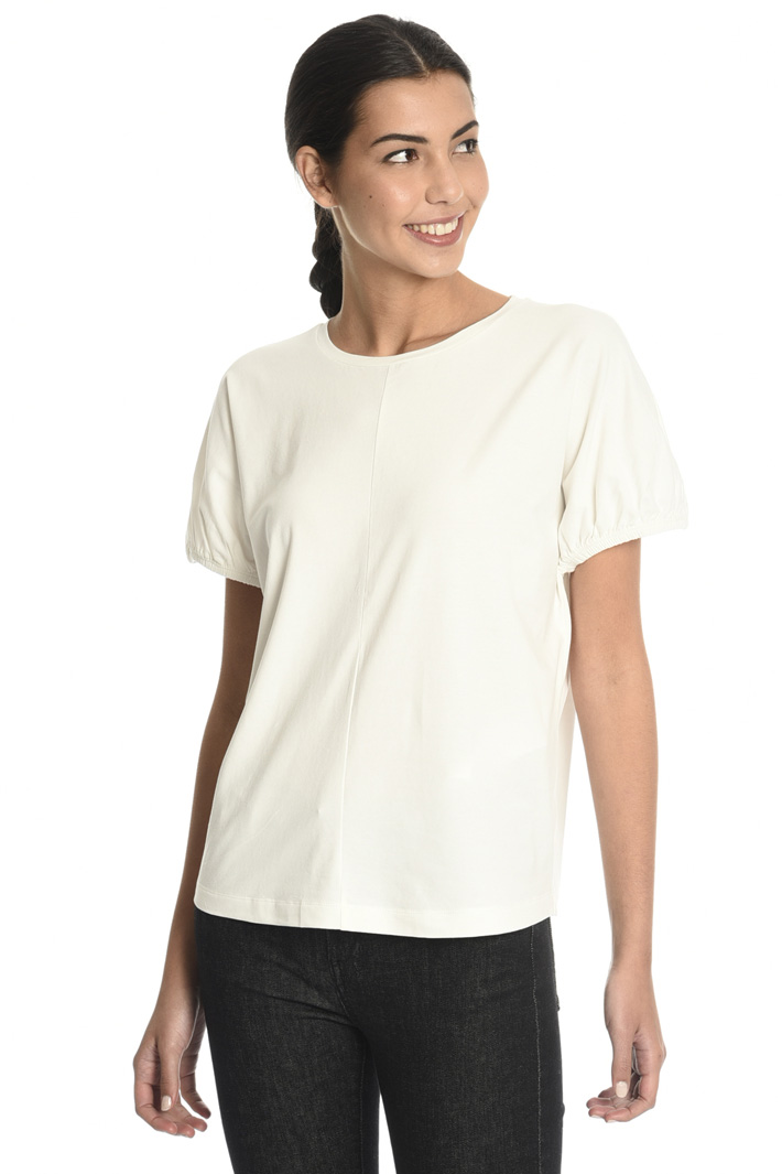 T-shirt with puff sleeves  Intrend
