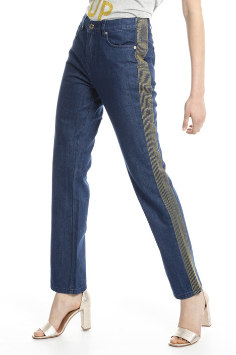 Jeans with lamé embroidery Intrend
