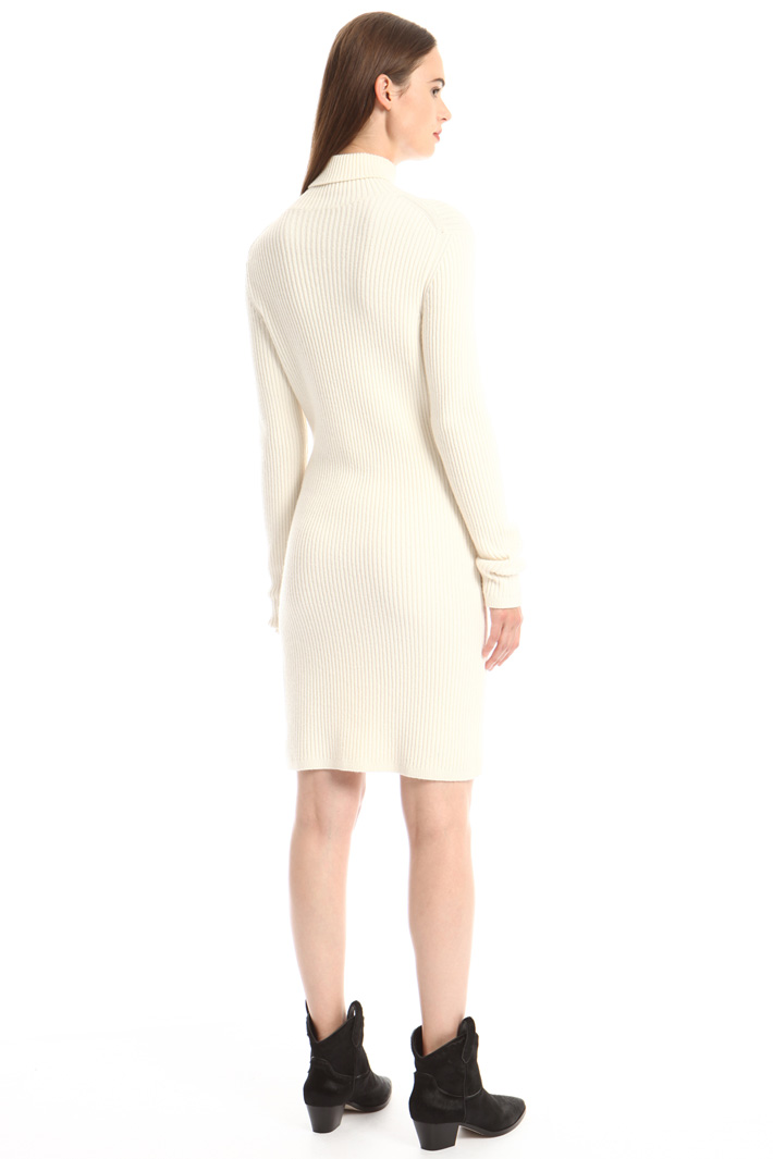 Short dress Intrend