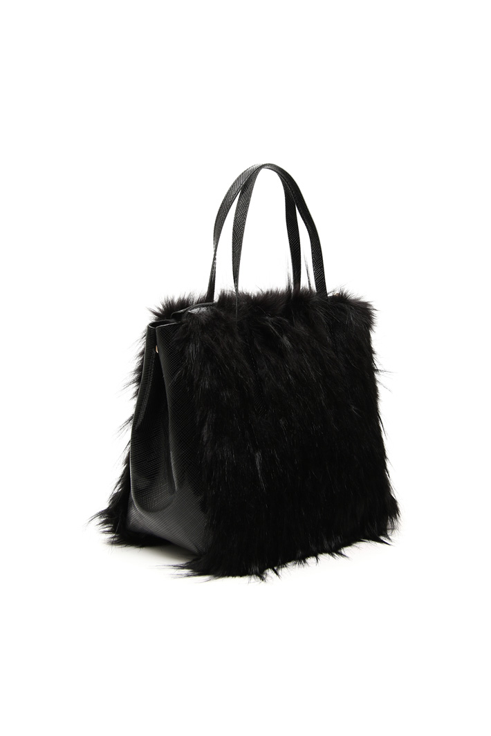 Fur effect shopping bag Intrend