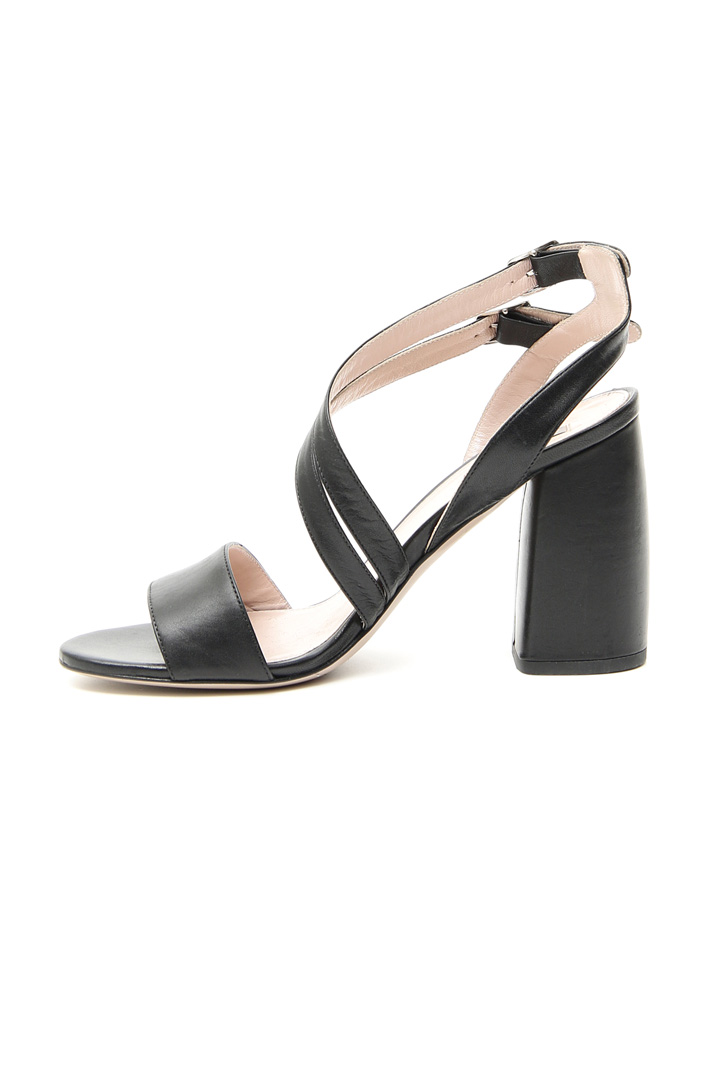Leather sandals Intrend