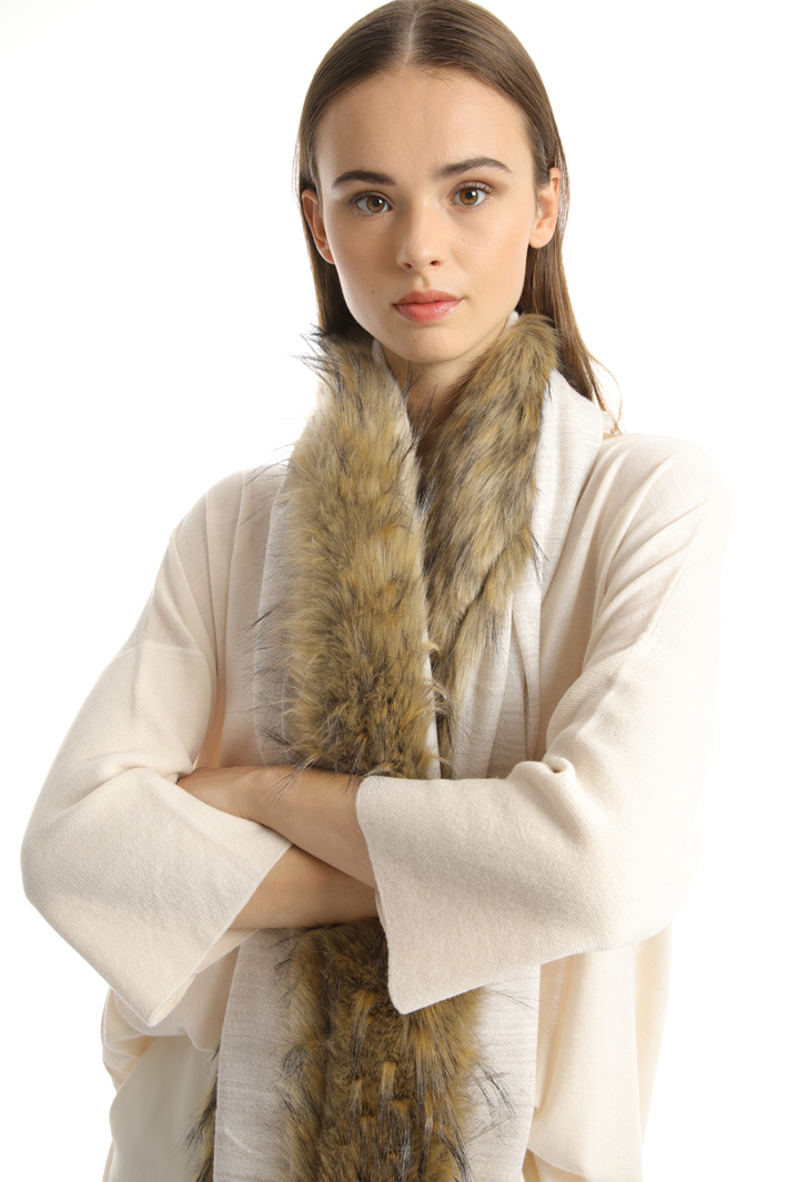 Fur-effect scarf Intrend