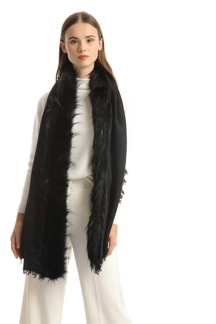 Fur-effect scarf Intrend