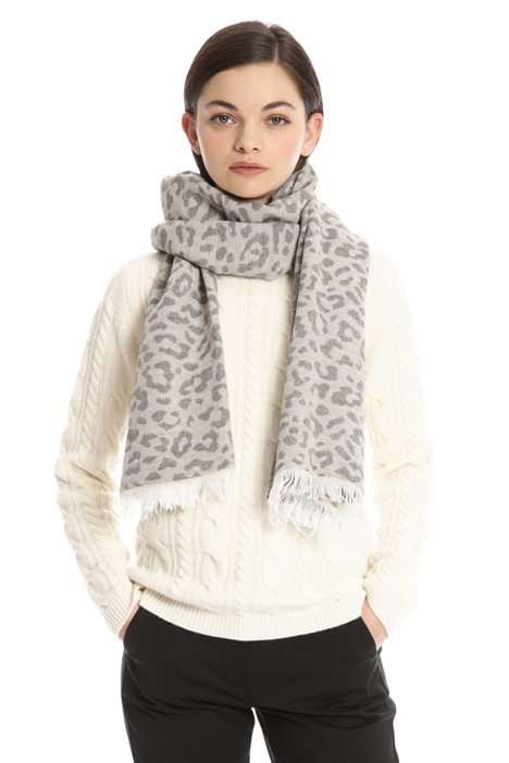 Animal print jacquard scarf Intrend