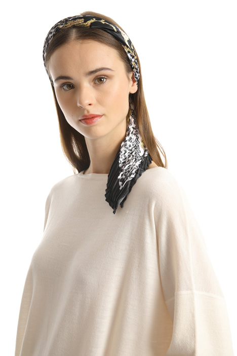 Pleated satin foulard Intrend