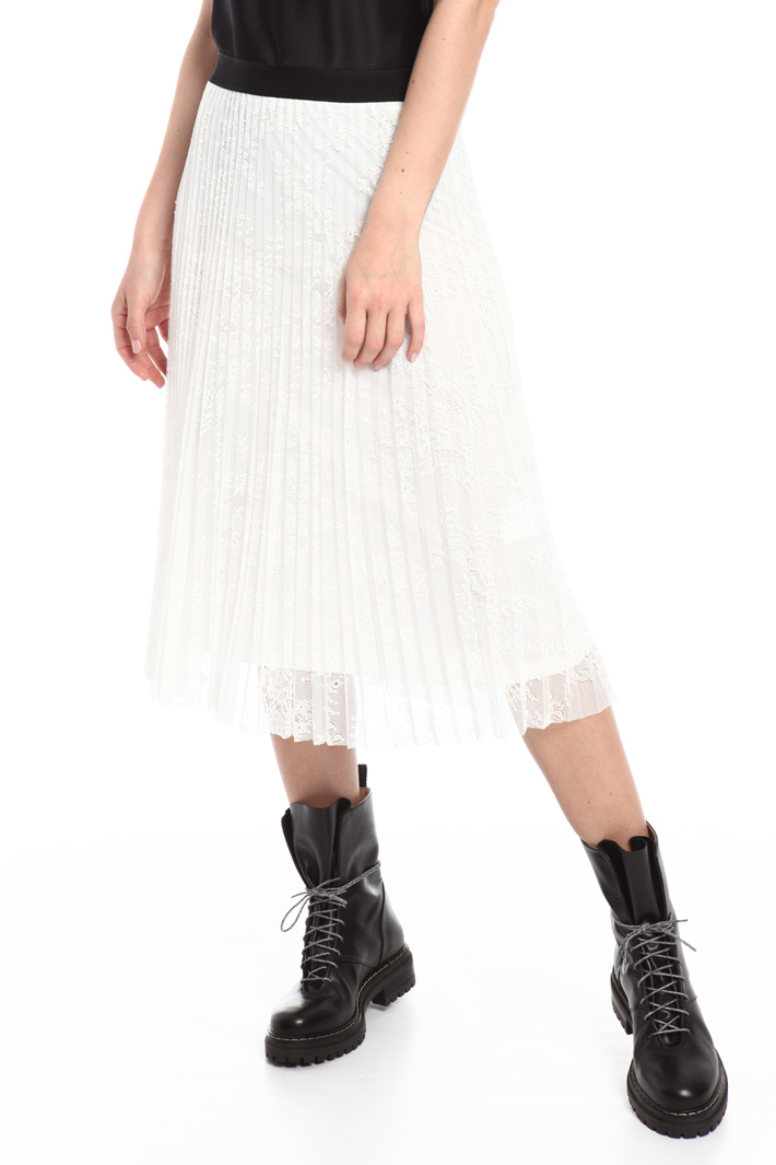 Chantilly lace skirt Intrend