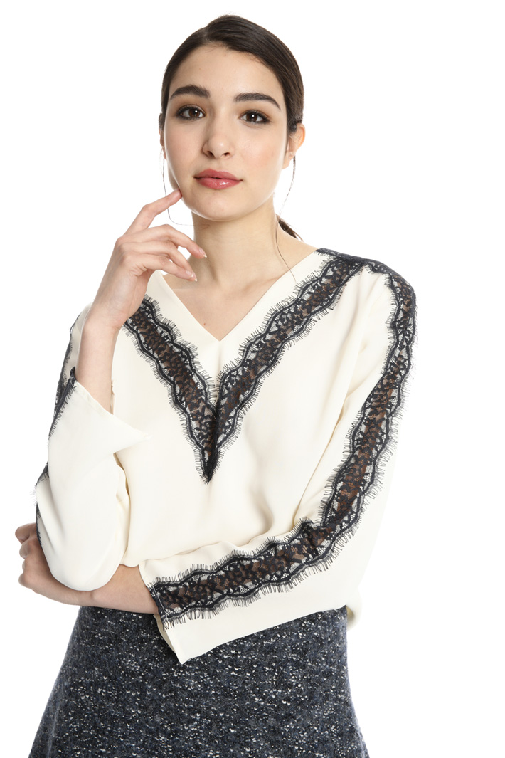 Blouse with lace inserts  Intrend