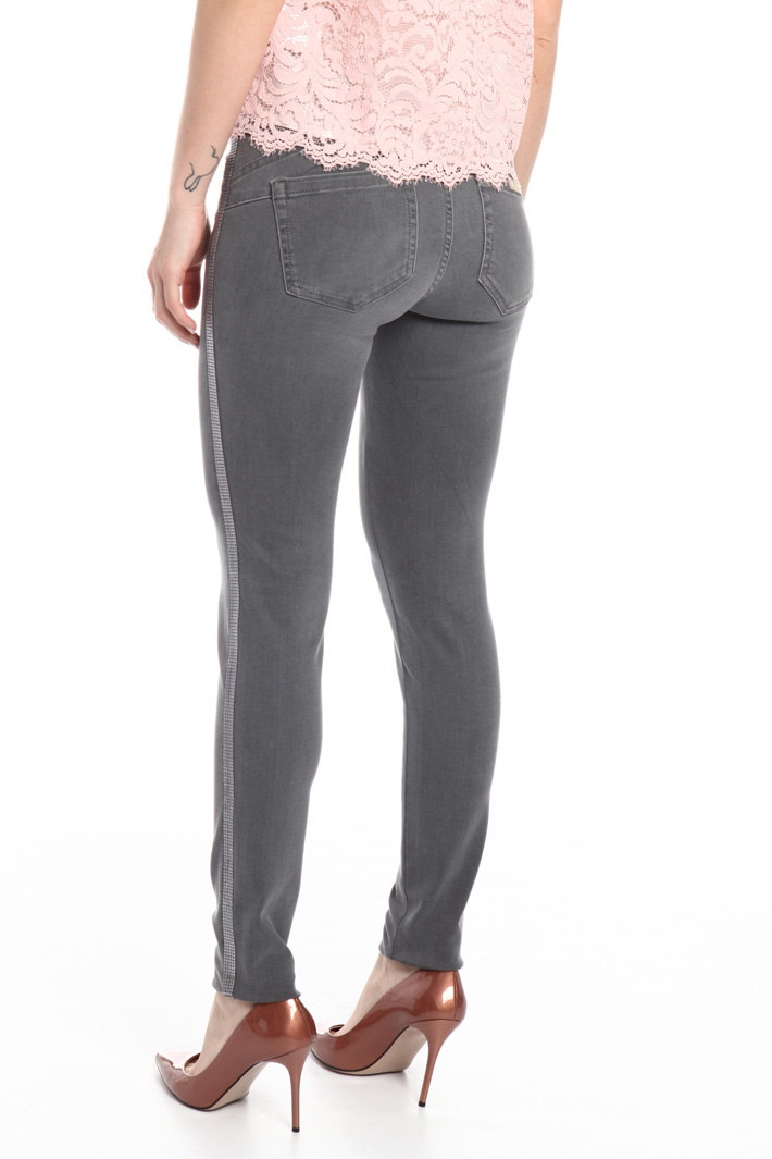 Trousers with passementerie Intrend