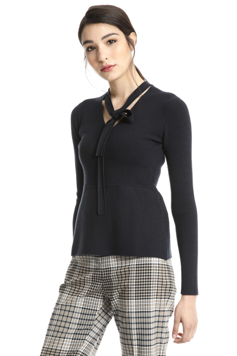 Fitted viscose sweater Intrend