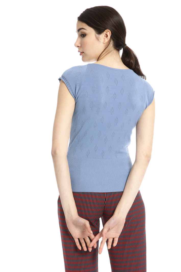 Sleeveless embroidered top Intrend