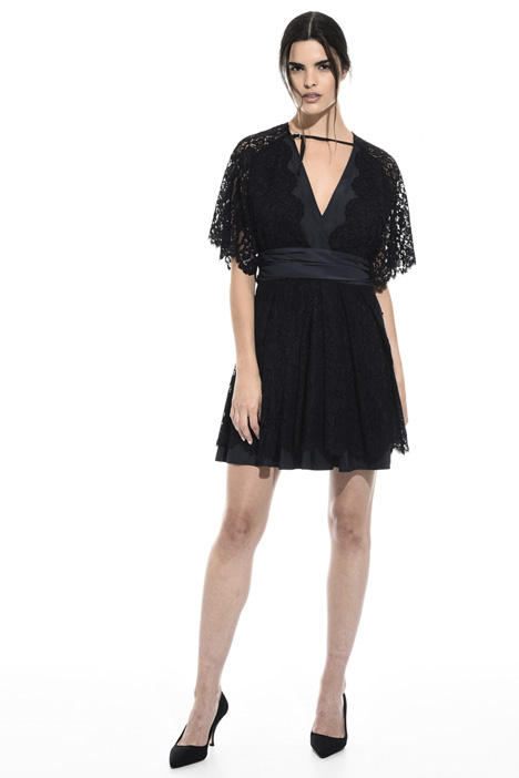 Flared lace dress Intrend