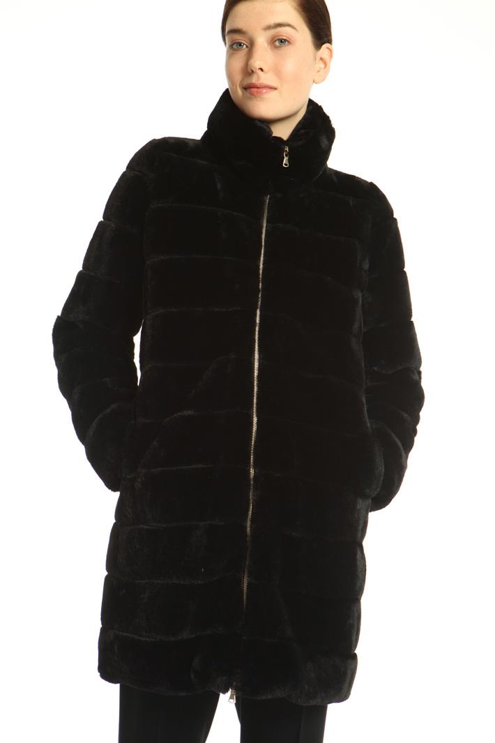 Fur effect coat Intrend