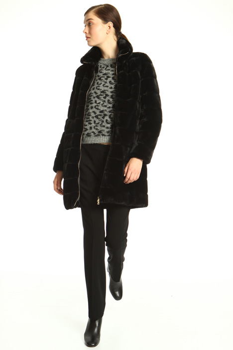 Fur effect coat Intrend