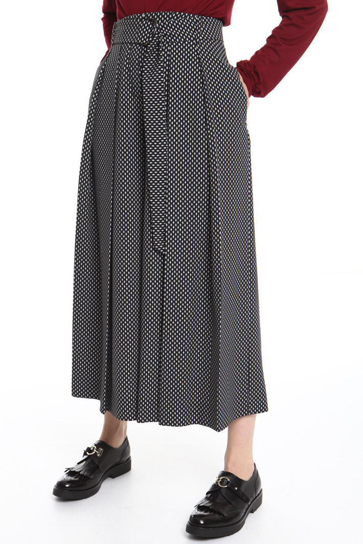 Wide-leg pleated trousers Intrend