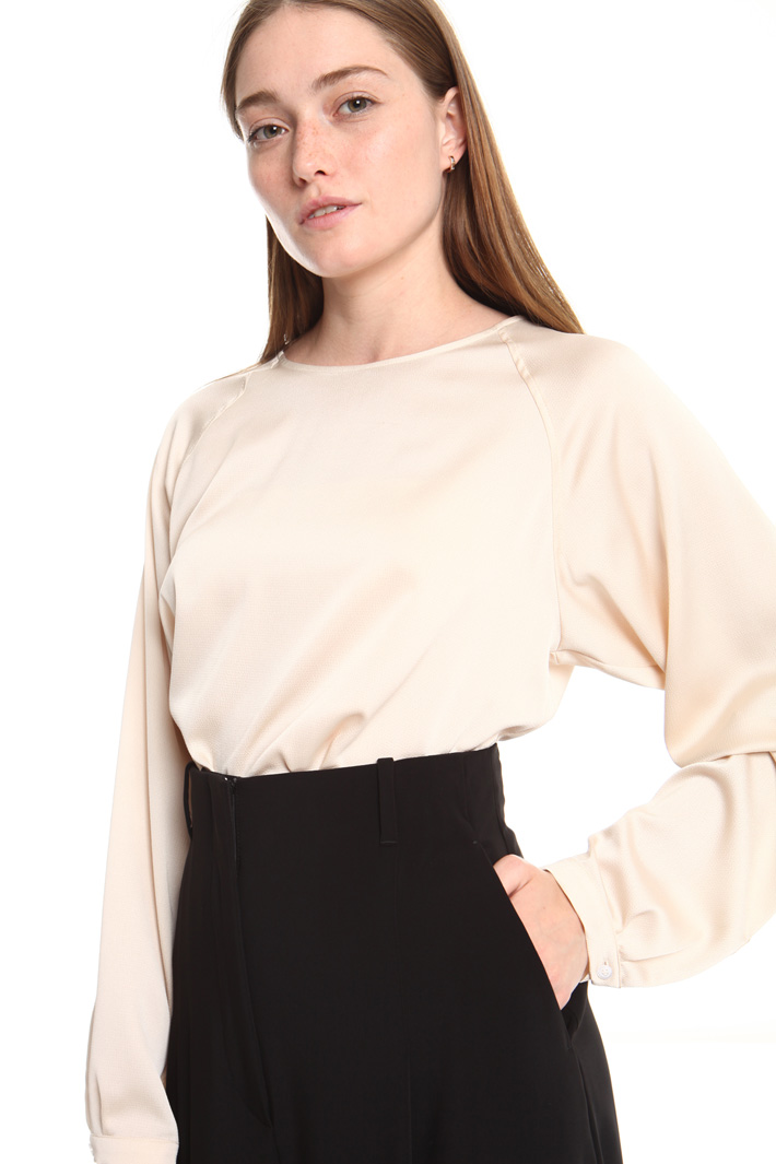 Soft fit blouse Intrend