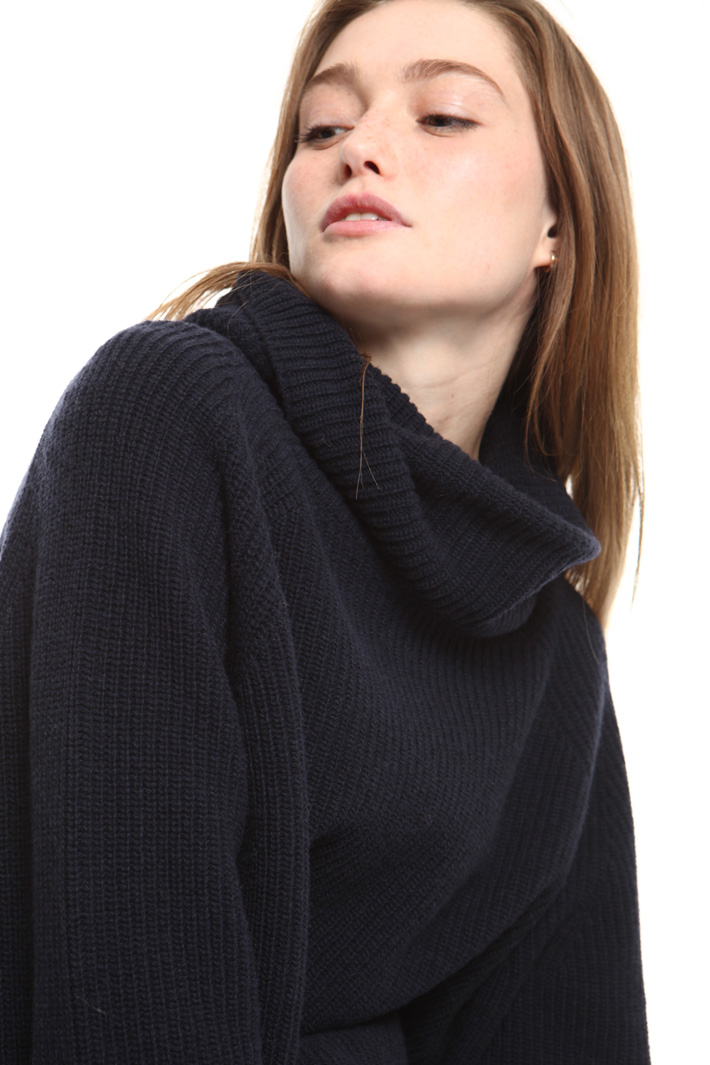 Pure wool turtleneck sweater Intrend
