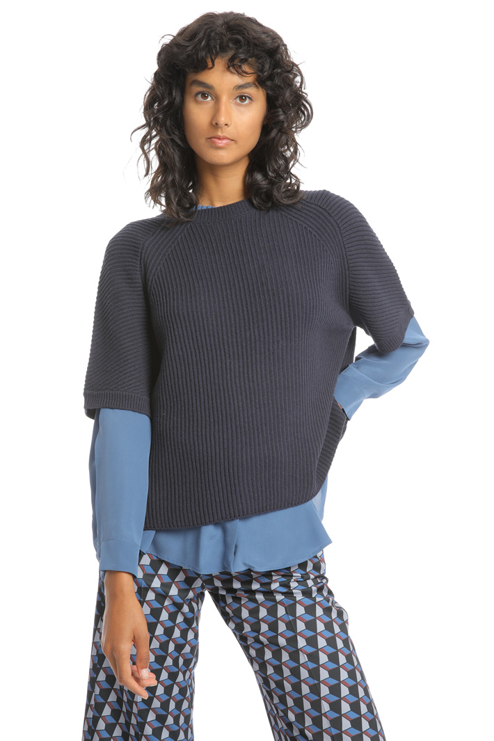 Crossed panel sweater Intrend