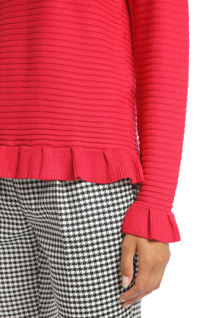Ribbed sweater with frills Intrend